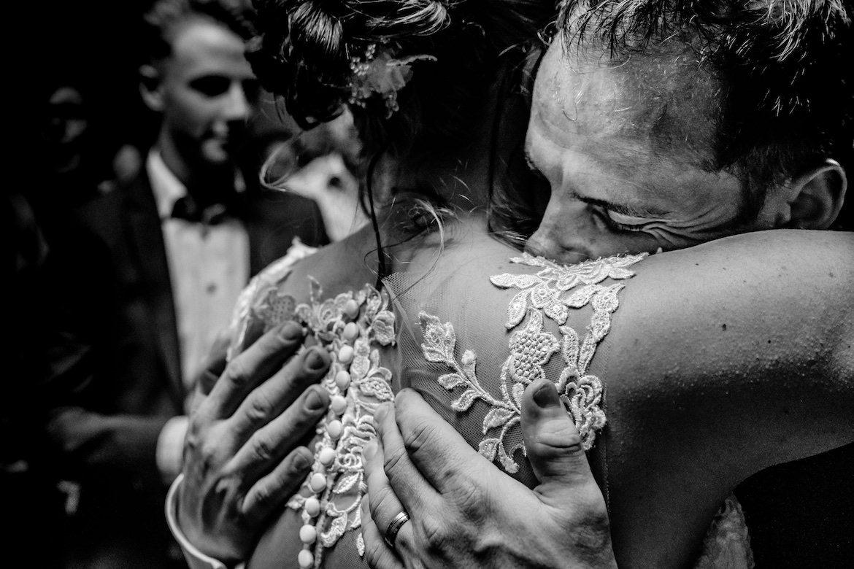 Emoties op een bruiloft Bruidsfotograaf voor echte momenten