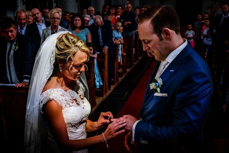 Bruidsfotografie Arno de Bruijn fotograaf bruiloft, trouwceremonie ringmoment