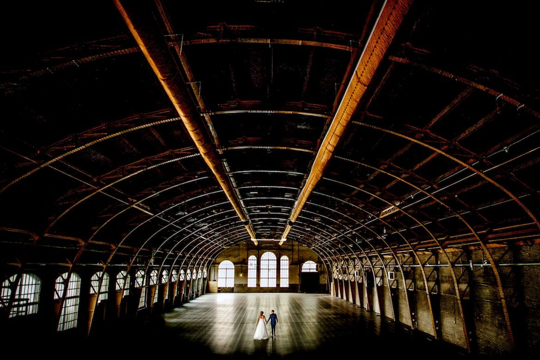 Bruidsfotografie Arno de Bruijn fotograaf bruiloft, trouwreportage in oude fabriek