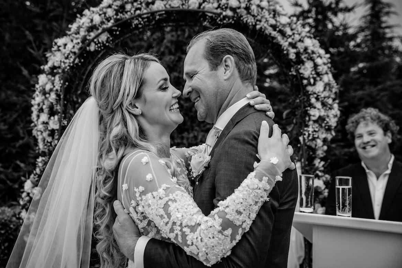 Bruidsfotografie Arno de Bruijn fotograaf bruiloft, ceremonie met Dirk Zeelenberg