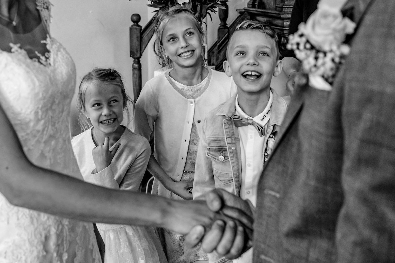 Emoties en echte momenten tijdens ceremonie Bruidsfotografie Arno de Bruijn fotograaf bruiloft