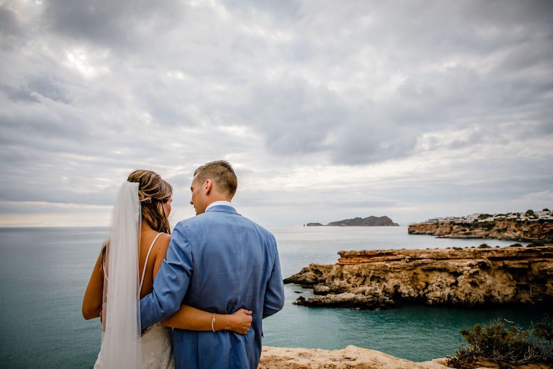 Bruidsfotograaf in het buitenland trouwreportage Ibiza strand