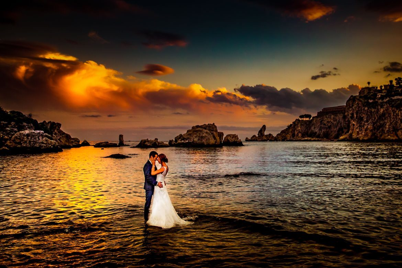 Trouwen in het buitenland trouwreportage Ibiza strand sunset in het buitenland trouwreportage Sicilië Italië strand