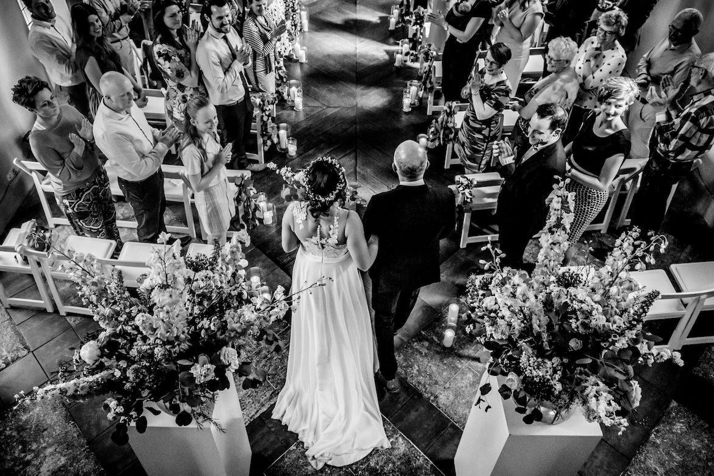 Twee fotografen op je bruiloft Arno de Bruijn // Bruidsfotografie, jullie mooiste dag in een ongedwongen trouwreportage, creatieve stijl. Bruidsfotograaf